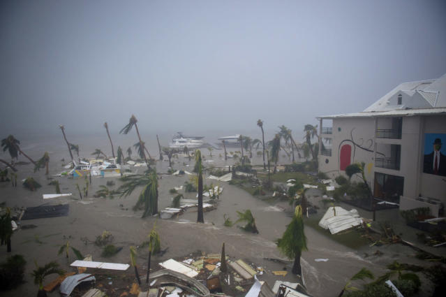 <p>The Hotel Mercure in Marigot, near the Bay of Nettle, on the French Collectivity of Saint Martin, during the passage of Hurricane Irma on Sept. 6, 2017. (Photo: Lionel Chamoiseau/AFP/Getty Images) </p>