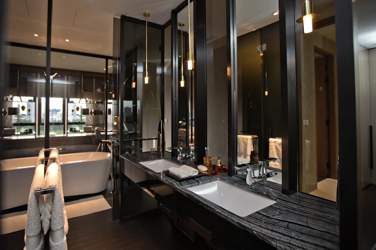 In-built bathroom at the Hamilton Scotts luxury residence in Singapore (Yahoo! photo)