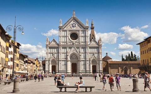 Piazza Santa Croce, Florence - Credit: © Scenics & Science / Alamy Stock Photo