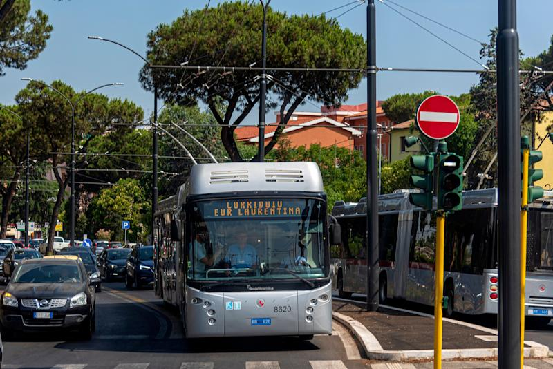 ROME, ITALY - JULY 08: The new corridor of mobility 'Eur Laurentina - Tor Pagnotta a connection with direct trolleybus lines between suburbs of the quadrant South of Rome as Tor Pagnotta, Cecchignola and and Fonte Laurentina inaugurated of the Mayor of Rome Virginia Raggi (not pictured) on July 8, 2019 in Rome, Italy. (Photo by Stefano Montesi - Corbis/ Getty Images)