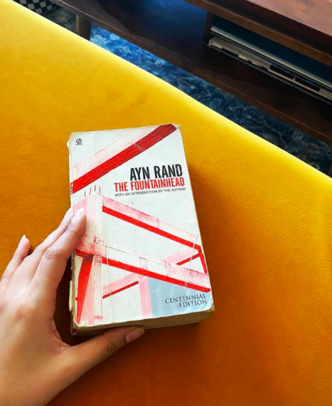 Esha Gupta is reading a classic by <strong>Ayn Rand called The Fountainhead.</strong>