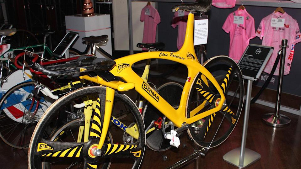 1993: Six days later, Chris Boardman's Corima hour record bike broke the record with a distance of 52.270km
