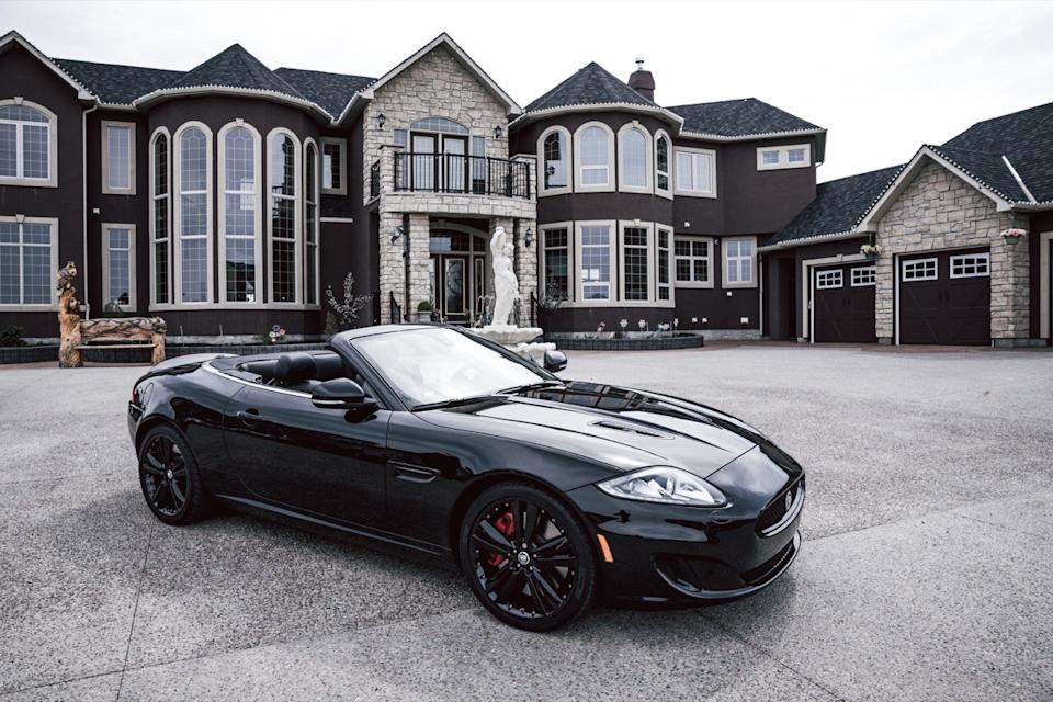 Mansion with convertible