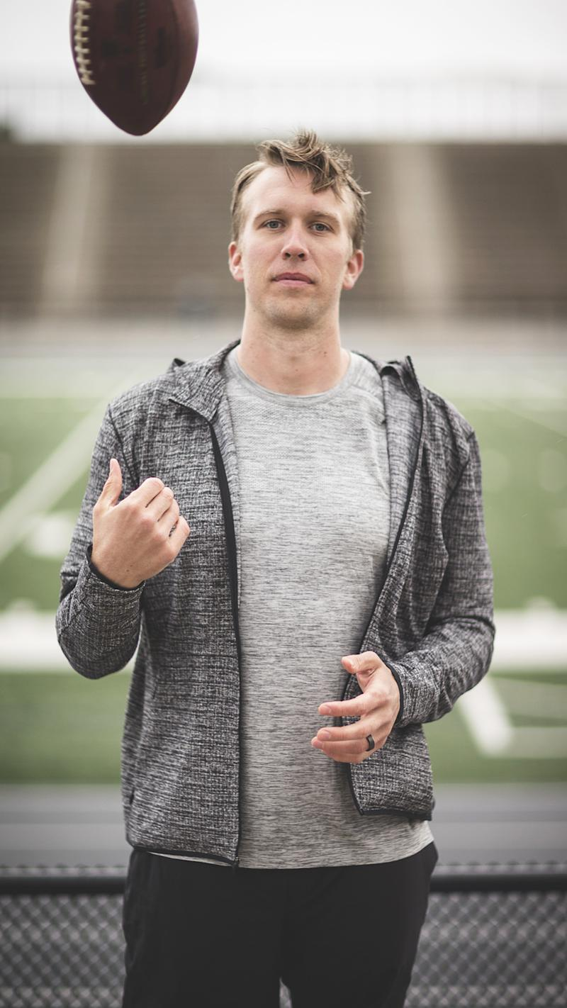 15039307 Nick Foles wore the same Lululemon T-Shirt for 10 years