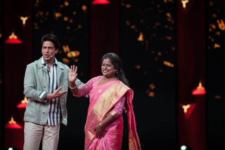 """""""KAVITA DEVI IS AN INSPIRATION FOR ALL OF US"""" SAYS SHAH RUKH KHAN ON TED TALKS INDIA NAYI BAAT"""