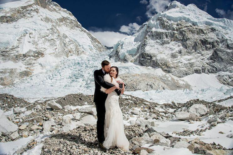 Sissom, Schmieder, and Mount Everest. (Photo: Charleton Churchill/Caters News)