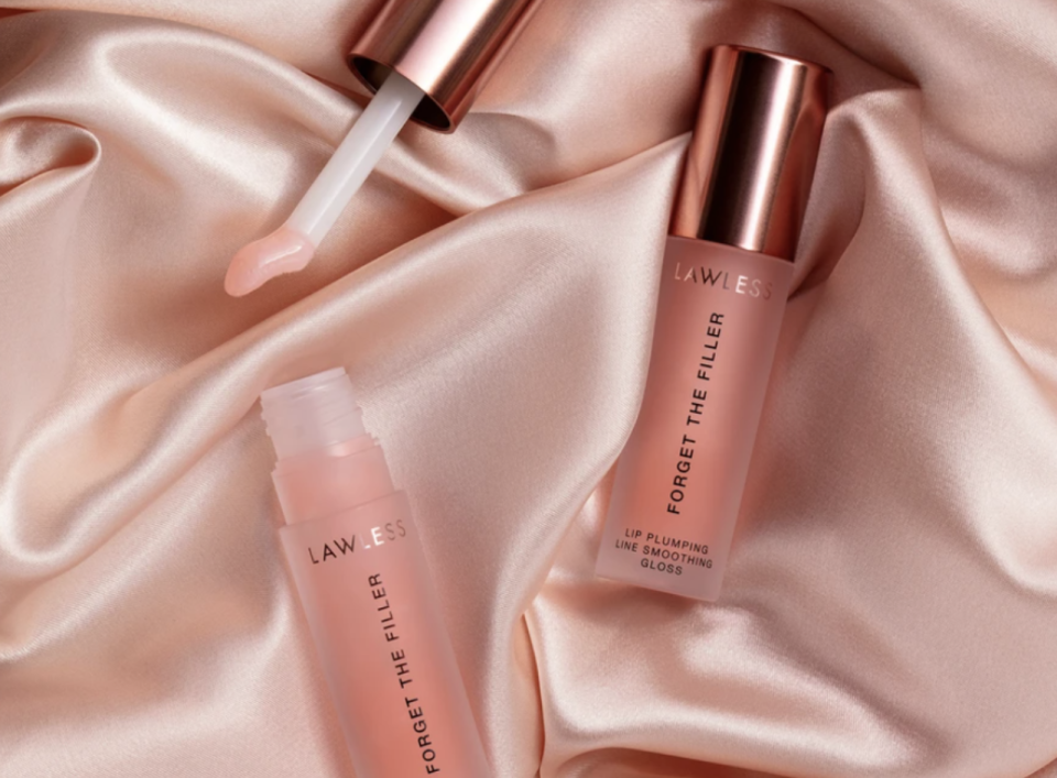 After months, Lawless Forget The Filler lipgloss is finally back in stock at Sephora.
