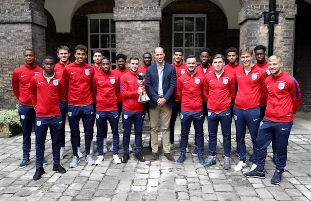 LONDON, ENGLAND - SEPTEMBER 07: Prince William, Duke of Cambridge, President of the Football Association, poses with the Under-20 England Football Team during a reception at Kensington Palace on September 7, 2017 in London, England. The England Under-20 side became the first England team to win a football World Cup since 1996 when they beat Venezuela 1-0 on June 11th, 2017. (Photo by Chris Jackson - WPA Pool/Getty Images)