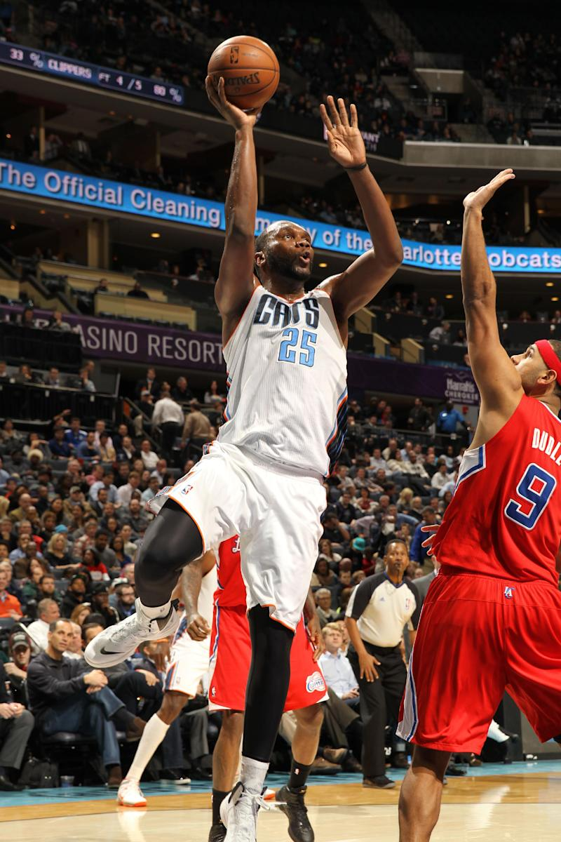 Jefferson lifts Bobcats past Clippers 95-91