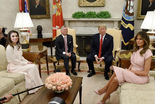 Queen Rania and King Abdullah II visit with Donald and Melania Trump at the White House. (Photo: Getty Images)