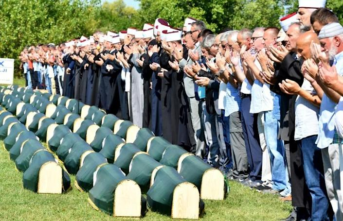 Hundreds of people gathered Saturday for the funeral of 86 Muslim victims of a massacre committed in Prijedor by Bosnian Serb forces at the beginning of the 1990s Bosnian war (AFP Photo/ELVIS BARUKCIC)