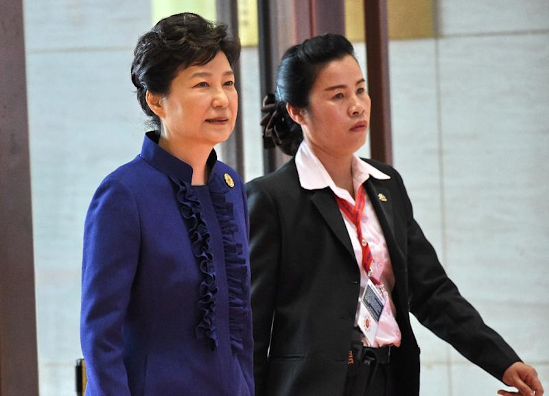 South Korean president agrees to be questioned over scandal