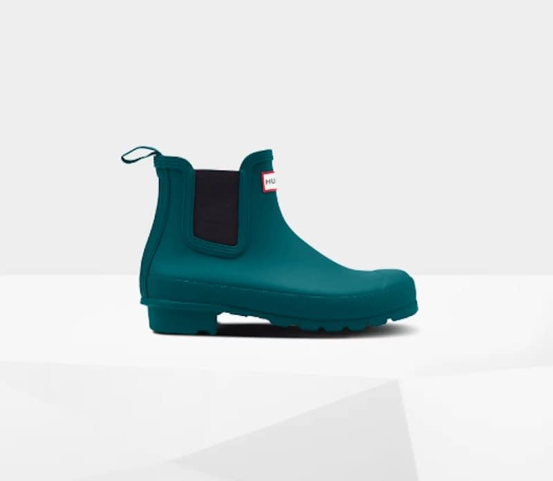 "<p>Hunter is the gold standard in comfortable, waterproof boots, and for Cyber Week (starting now), select styles are 30 percent off and sale styles are an extra 20 percent off. One of the superstars of the sale: these Hunter Chelsea Boots, which are now just $65 and come in dark teal and bright red. </p> <p><strong>To buy: </strong>$65 (originally $135), <a href=""https://click.linksynergy.com/deeplink?id=93xLBvPhAeE&mid=39039&murl=https%3A%2F%2Fwww.hunterboots.com%2Fus%2Fen_us%2Fwomens-ankle-boots%2Fwomens-original-chelsea-boots%2Fgreen%2F5737&u1=RS%2CTheBestComfortableShoeDealstoSnagThisBlackFridayandCyberMonday%2Ckholdefehr1271%2CSHO%2CIMA%2C636542%2C201911%2CI"" target=""_blank"">hunterboots.com</a>. </p>"