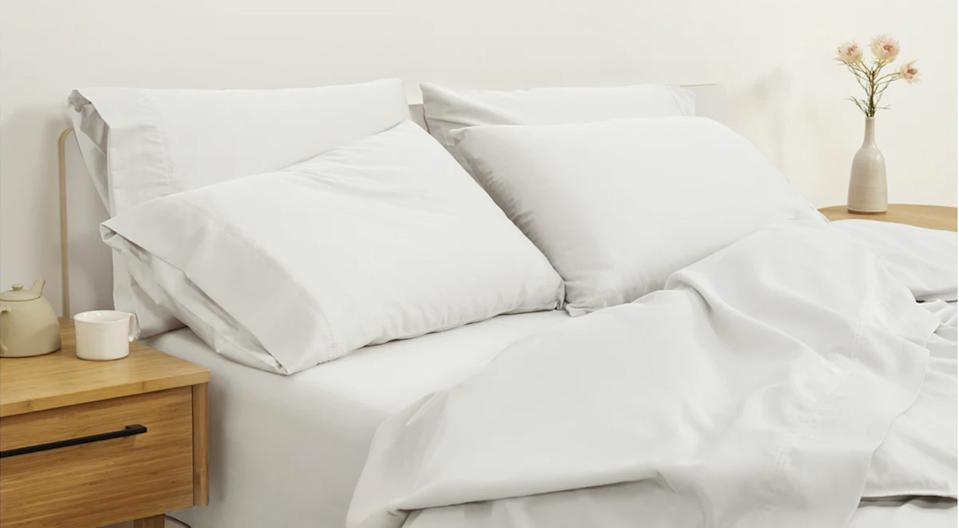 Casper's Comfy Bundle packs a set of sateen sheets and two luxurious down alternative pillows into one incredible deal. (Photo: Casper)