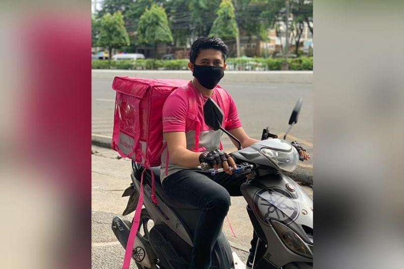 Fashionista, vlogger, singer—foodpanda riders share their stories
