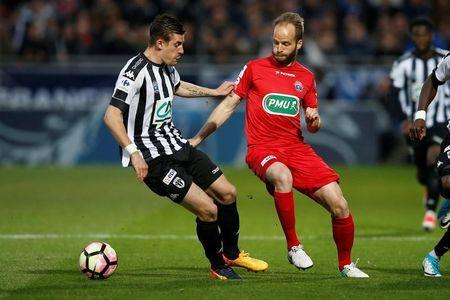 Soccer Football - SCO Angers v EA Guingamp - French Cup Semi-Final - Raymond Kopa Stadium, Angers, France - 25/04/2017. Guingamp's Etienne Didot and Angers' Baptiste Santamaria in action. REUTERS/Stephane Mahe -