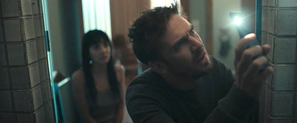 THE RENTAL, from left: Sheila Vand, Dan Stevens, 2020. IFC Films / Courtesy Everett Collection