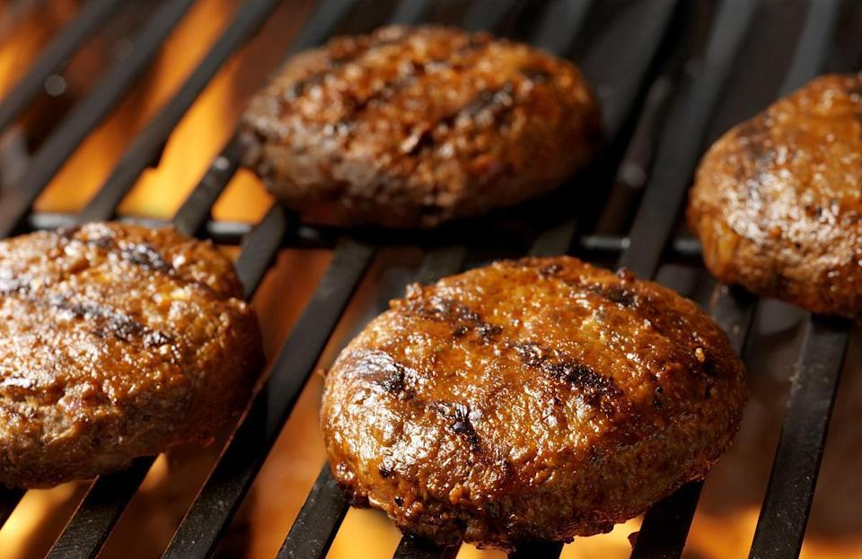 "<p>Grilling a burger isn't too hard, but knowing which type of meat to use can be confusing. For you South Carolinians hoping to grill hamburgers this summer, use ground chuck, which yields the perfect fatty burger that is juicy and has a wealth of flavor. Once you've selected your meat of choice, here are some <a href=""https://www.thedailymeal.com/cook/best-grilling-recipes-steak-chicken-pizza?referrer=yahoo&category=beauty_food&include_utm=1&utm_medium=referral&utm_source=yahoo&utm_campaign=feed"" rel=""nofollow noopener"" target=""_blank"" data-ylk=""slk:great recipes for how to grill it"" class=""link rapid-noclick-resp"">great recipes for how to grill it</a>.</p>"