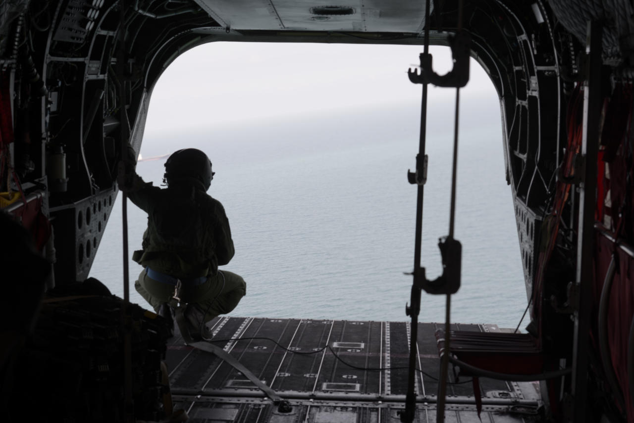 <p>Republic of Singapore Air Force personnel conduct a search and rescue operation for missing U.S. sailors over waters east of Singapore, on Aug. 21, 2017. (Photo: Ministry of Defense Singapore via AP) </p>