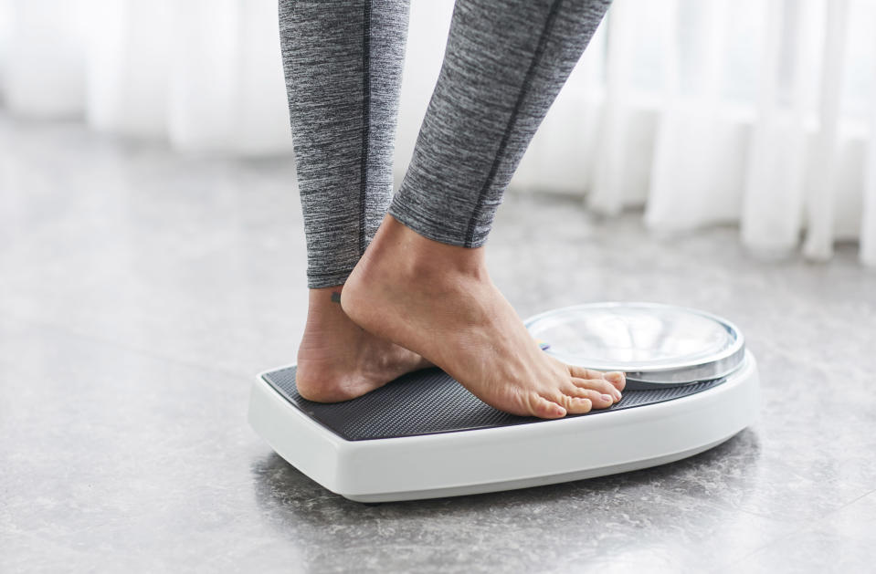 Three easy tips to help you maintain your weight-loss goals this year. (Photo: Getty Images)