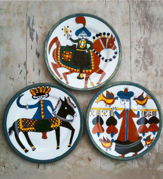 "The child-like line drawings on these 10-inch, ceramic <a href=""https://fave.co/2Oxpmpq"" rel=""nofollow noopener"" target=""_blank"" data-ylk=""slk:Turkish design wall plates by Crafted India"" class=""link rapid-noclick-resp""><strong>Turkish design wall plates by Crafted India</strong></a> are endearing. <em>Rs.9,669 (set of three) on offer. </em><a href=""https://fave.co/2Oxpmpq"" rel=""nofollow noopener"" target=""_blank"" data-ylk=""slk:Flash sale!"" class=""link rapid-noclick-resp""><strong>Flash sale!</strong></a>"