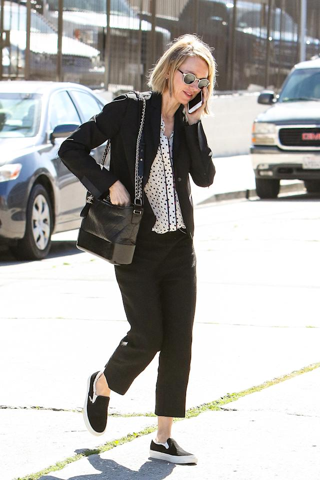 <p>Naomi Watts out and about with a Gabrielle Hobo bag.<br /> (Photo: Getty Images) </p>
