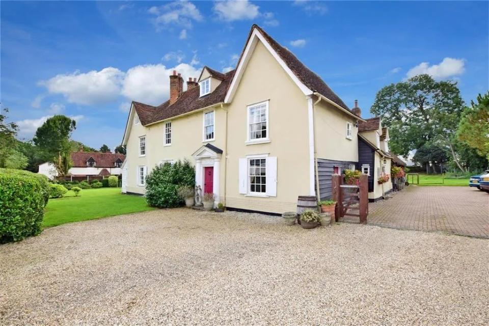 A five-bed detached house in Coopersale Street, Epping with a price tag of £2m. Photo: Zoopla