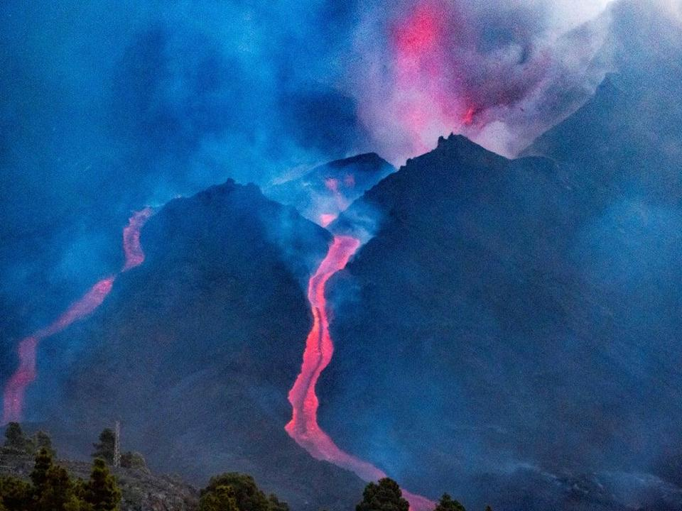 The Cumbre Vieja volcano began erupting on 19 September, since destroying nearly 1,150 buildings.  (EPA)