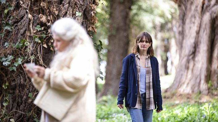 """Robyn Nevin, left, and Emily Mortimer in Natalie Erika James' """"Relic."""" <span class=""""copyright"""">(Jackson Finter / IFC Midnight)</span>"""