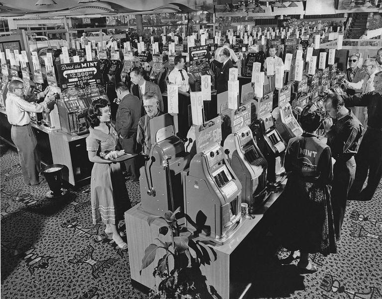 <p>Gamblers at The Mint casino in 1958. This is the same casino that was featured in the 1972 novel by Hunter S. Thompson, <em>Fear and Loathing in Las Vegas.</em></p>