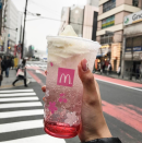 <p>These big names know exactly what an Instagram-worthy drink can do. Maybe that's why McDonald's Japan launched its Sakura McFloat earlier this month. Designed to coincide with the annual festival celebrating the beautiful cherry blossom, it's sparkling pink cherry-flavoured soda topped with ice-cream. And oh so pretty! [Photo: Instagram/hungrygirlsquad] </p>