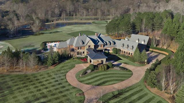 Braves Hall-of-Famer John Smoltz lists Atlanta home for $5.2M; check out the sick amenities