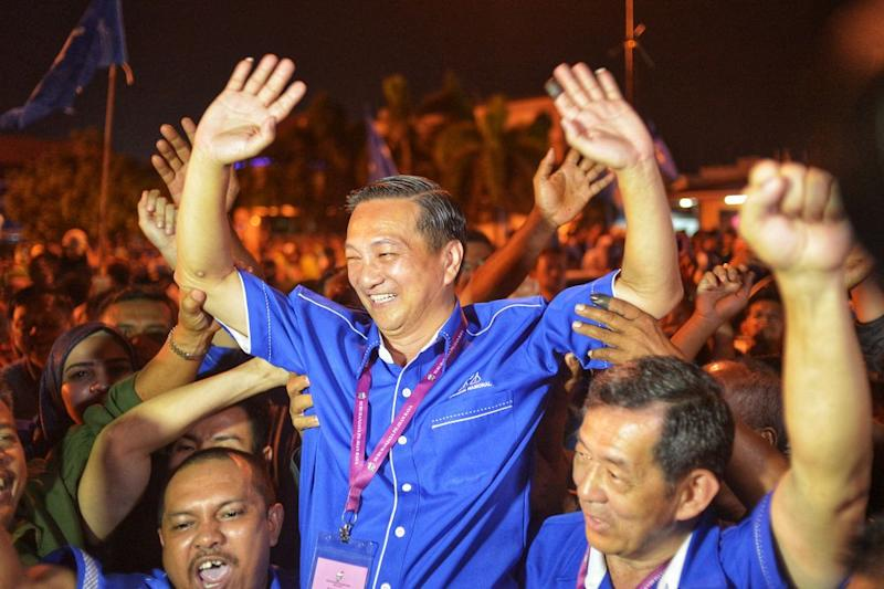 File photo showing BN's Datuk Seri Wee Jeck Seng celebrating his win at the Tanjung Piai by-election November 16, 2016. — Picture by Shafwan Zaidon