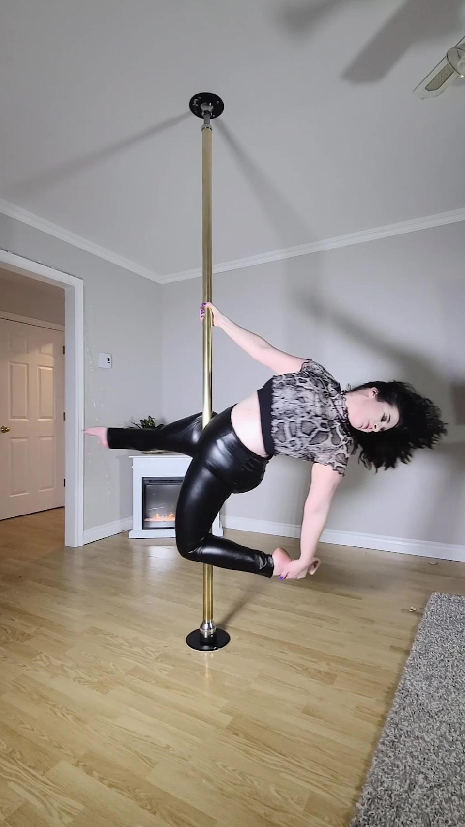 jessica uses pole dancing for weight loss