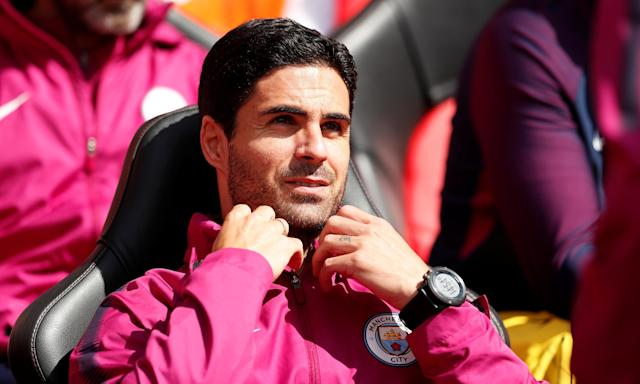 Mikel Arteta, currently a coach at Manchester City, has emerged as the clear favourite to replace Arsène Wenger.