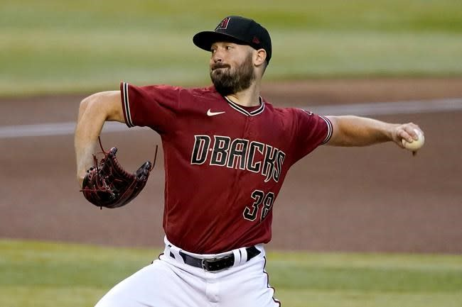 Blue Jays acquire pitchers Ray and Stripling, infielder Villar at trade deadline