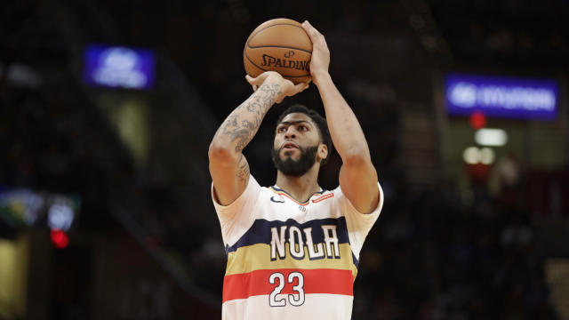 "While many speculate that <a class=""link rapid-noclick-resp"" href=""/nba/players/5007/"" data-ylk=""slk:Anthony Davis"">Anthony Davis</a> will jump ship in New Orleans this summer, he insisted that he isn't focused on the future right now. All he wants to do is win. (AP Photo/Tony Dejak)"