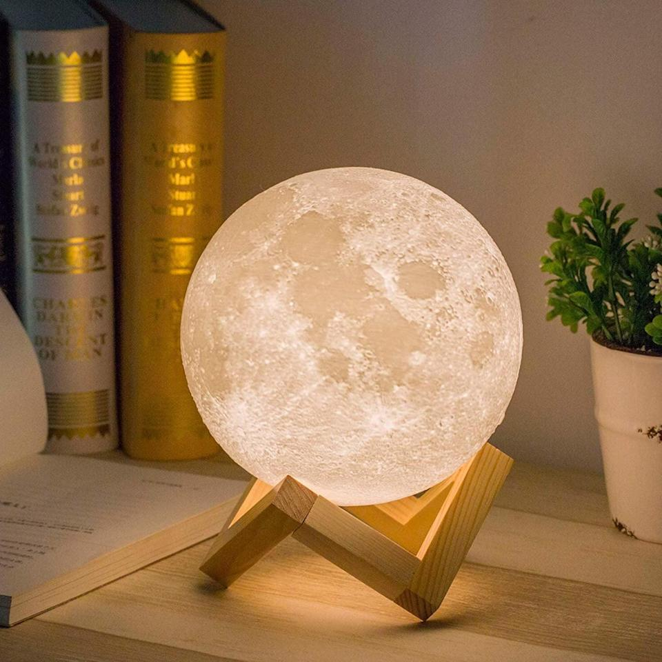 <p>How cool is this <span>Mydethun Moon Lamp</span> ($30)?</p>
