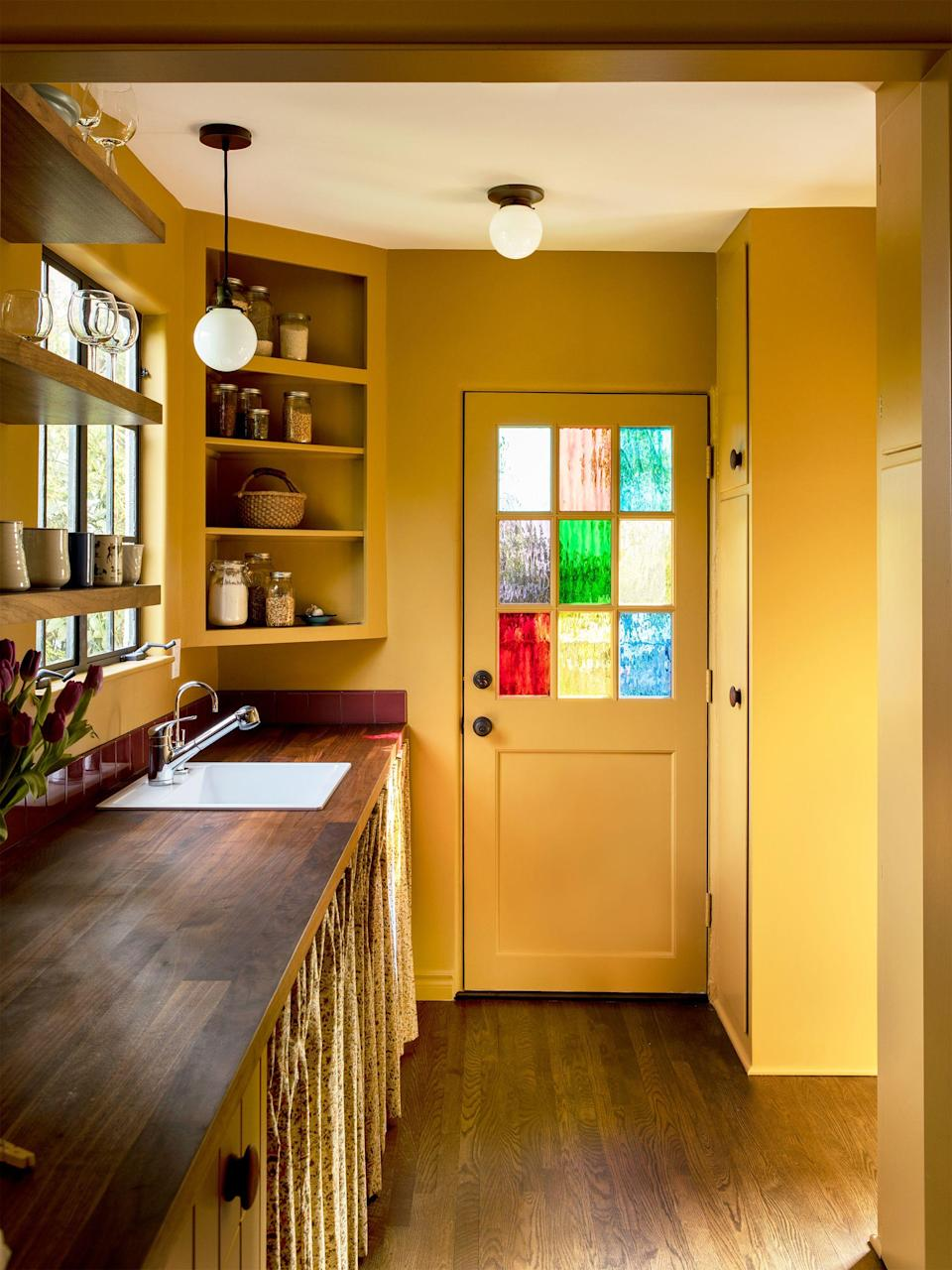 """<p>Though stained <a href=""""https://www.housebeautiful.com/home-remodeling/interior-designers/g28246438/decorative-glass-panel-ideas/"""" rel=""""nofollow noopener"""" target=""""_blank"""" data-ylk=""""slk:glass"""" class=""""link rapid-noclick-resp"""">glass</a> may at first thought conjure images of old churches and <a href=""""https://www.housebeautiful.com/lifestyle/a35471144/hotel-cecil-history-facts/"""" rel=""""nofollow noopener"""" target=""""_blank"""" data-ylk=""""slk:haunted"""" class=""""link rapid-noclick-resp"""">haunted</a> houses, we assure you those aren't the only contexts for this colorful art. In fact, stained glass <a href=""""https://www.housebeautiful.com/home-remodeling/interior-designers/a29268889/types-of-window-treatments/"""" rel=""""nofollow noopener"""" target=""""_blank"""" data-ylk=""""slk:windows"""" class=""""link rapid-noclick-resp"""">windows</a> are making a comeback (though, if you ask us, they never really went out of style), with designers incorporating them in creative, modern ways. From super old-school stained glass windows that are brought back to life with contemporary decor to Midcentury interpretations and contemporary takes (like colorful plexiglass!), allow the 10 stained glass ideas and examples ahead to inspire you to reimagine how you let the light in. </p>"""