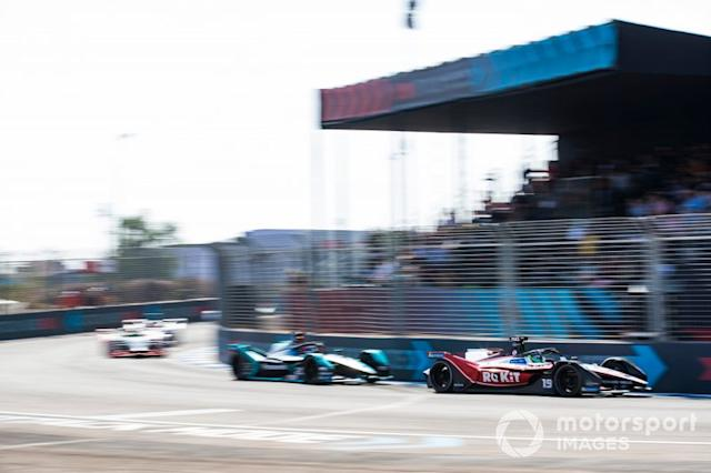 "Felipe Massa, Venturi, EQ Silver Arrow 01, Mitch Evans, Jaguar Racing, Jaguar I-Type 4 <span class=""copyright"">Sam Bloxham / Motorsport Images</span>"