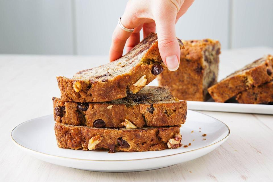 "<p>Banana bread stays good for days and makes a wonderful and welcomed food gift. </p><p>Get the recipe from <a href=""https://www.delish.com/cooking/recipe-ideas/recipes/a50825/best-banana-bread-recipe/"" rel=""nofollow noopener"" target=""_blank"" data-ylk=""slk:Delish"" class=""link rapid-noclick-resp"">Delish</a>.</p>"