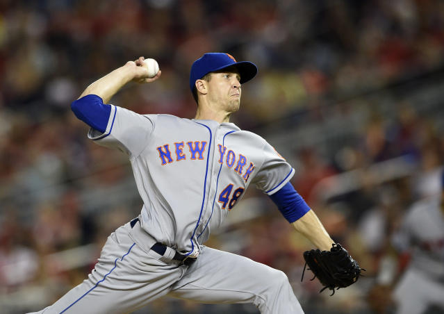 How Jacob deGrom overcoming the Mets misery and overwhelmingly winning the NL Cy Young award effectively killed the pitcher win stat. (AP)