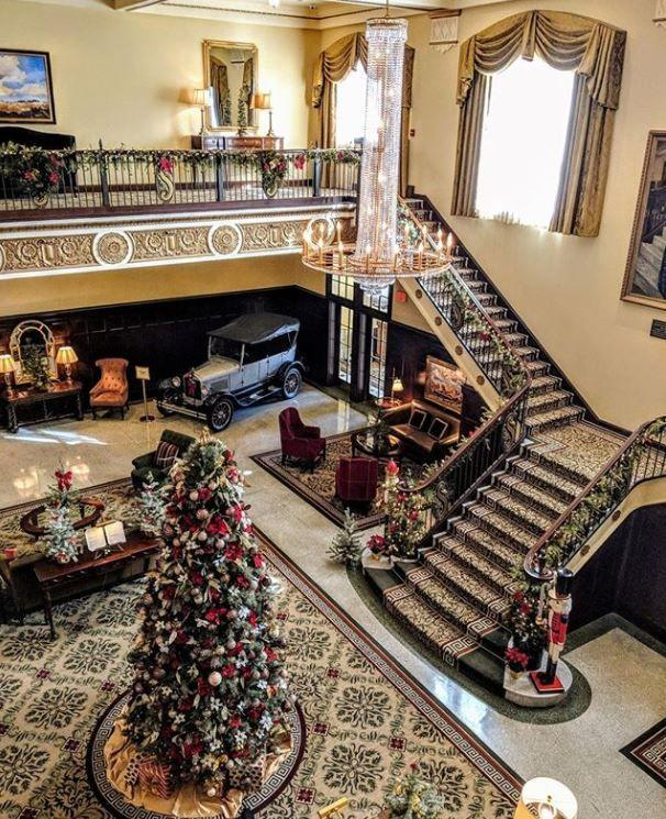 """<p>What's better than an all-American Christmas right in the heart of West Texas? This charming town is big on holiday spirit. In fact, it's been dubbed the """"Lighted Poinsettia Capital of Texas."""" At the town's historic <a href=""""https://go.redirectingat.com?id=74968X1596630&url=https%3A%2F%2Fwww.tripadvisor.com%2FHotel_Review-g55483-d3895492-Reviews-Hotel_Settles-Big_Spring_Texas.html&sref=https%3A%2F%2Fwww.countryliving.com%2Flife%2Ftravel%2Fg2829%2Fbest-christmas-towns-in-usa%2F"""" rel=""""nofollow noopener"""" target=""""_blank"""" data-ylk=""""slk:Hotel Settles"""" class=""""link rapid-noclick-resp"""">Hotel Settles</a>, you can expect to find a beautifully decorated grand lobby lounge complete with traditional décor. There's even a massive Christmas tree with presents underneath.</p><p><a class=""""link rapid-noclick-resp"""" href=""""https://go.redirectingat.com?id=74968X1596630&url=https%3A%2F%2Fwww.tripadvisor.com%2FTourism-g55483-Big_Spring_Texas-Vacations.html&sref=https%3A%2F%2Fwww.countryliving.com%2Flife%2Ftravel%2Fg2829%2Fbest-christmas-towns-in-usa%2F"""" rel=""""nofollow noopener"""" target=""""_blank"""" data-ylk=""""slk:PLAN YOUR TRIP"""">PLAN YOUR TRIP</a></p>"""