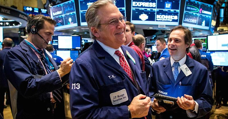 Stocks trade higher; Dow jumps 150 points on Pfizer