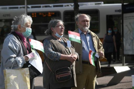 Hungarians observed a minute of silence in Budapest