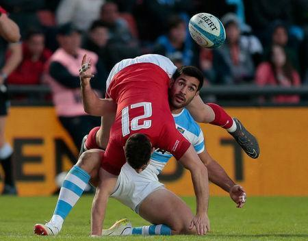 Rugby Union - June Internationals - Argentina v Wales - Brigadier General Estanislao Lopez Stadium, Santa Fe, Argentina - June 16, 2018 - Argentina's Jeronimo de la Fuente and Wales' Tomos Williams in action. REUTERS/Diego Lima