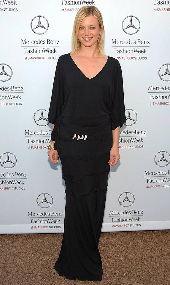 """Amy Smart made an incredibly unintelligent decision in wearing such a shapeless dress to L.A.'s Fashion Week. We also wish she would have done something with her hair! Jean-Paul Aussenard/<a href=""""http://www.wireimage.com"""" target=""""new"""">WireImage.com</a> - March 12, 2008"""