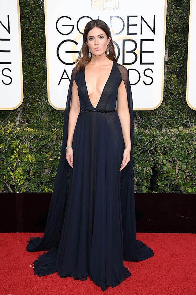 <p>Mandy Moore won for best décolletage of the night. (Photo: Getty Images) </p>