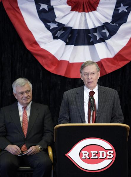 Major League Baseball commissioner Bud Selig announces the Cincinnati Reds will host the 2015 All-Star Game during a news conference, Wednesday, Jan. 23, 2013, at Great American Ballpark in Cincinnati. Reds president and chief executive officer Bob Castellini listens at left. (AP Photo/Al Behrman)