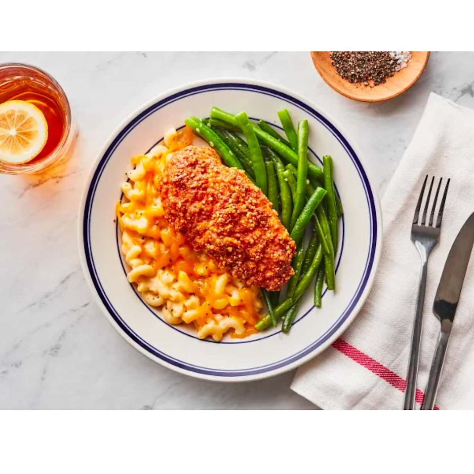 """<p><strong>The Cyber Monday deal:</strong> Take $40 off your first three weeks of Freshly's chef-prepared meals, or take $50 off your first four weeks. Available through December 3.</p> <p><strong>The brand:</strong> Want home-cooked quality without dirtying a single pan? Freshly is for you. It delivers chef-cooked, nutritious meals right to your doorstep. All you have to do is follow simple heating instructions and eat. Impress guests with fresh, creative meals that let you skip prep and cleanup altogether—perfect if you're <a href=""""https://www.glamour.com/gallery/best-hostess-gifts?mbid=synd_yahoo_rss"""" target=""""_blank"""">hosting small holiday gatherings</a> this season.</p> $60, Freshly. <a href=""""https://www.freshly.com/"""">Get it now!</a>"""